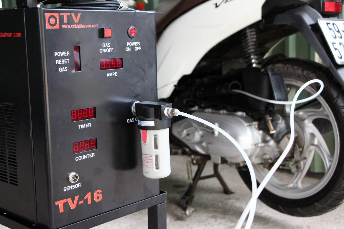 Dịch vụ vệ sinh buồng đốt xe máy của n2o strore